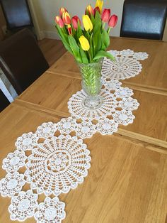 Items similar to Crochet runner - white/cream/beige on Etsy Crochet Table Runner Pattern, Crochet Doily Diagram, Crochet Doily Patterns, Crochet Tablecloth, Filet Crochet, Crochet Motif, Crochet Designs, Crochet Doilies, Crochet Flowers