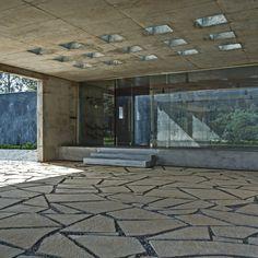 House in a Tea Garden / RMA Architects
