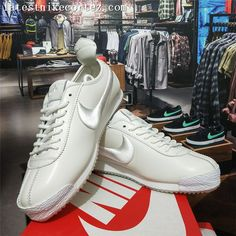 buy online 83fa2 7d987 2018 New Release Nike Classic Cortez 72 SP Leather Womens Trainers White On  Sale. Paolinni · Zapatos