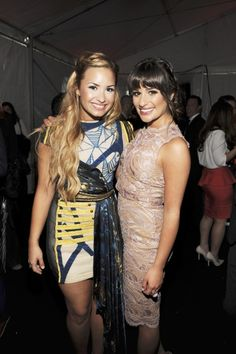 Demi Lovato with GLEE's Lea Michele at the FOX Upfronts in NY.