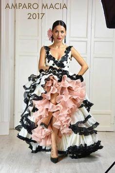Amparo Macia 2017 Gorgeous, sleeveless black and white dress with soft baby pink lining. Just lovely. Flamenco Costume, Flamenco Skirt, Flamenco Dancers, Flamenco Dresses, Spanish Dress, Spanish Style, Spanish Fashion, Latin Dance Dresses, Mexican Dresses