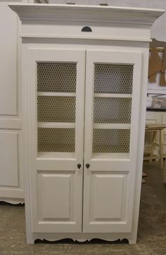 Lovely French Flair grocery cupboard with wire. China Cabinet, Cupboard, Armoire, Kitchen Design, Kitchens, Miniatures, Wire, French, Storage
