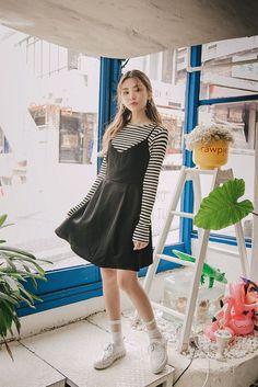 Korean Fashion – How to Dress up Korean Style – Designer Fashion Tips Korean Fashion Summer, Korean Fashion Trends, Korean Street Fashion, Korea Fashion, Asian Fashion, Look Fashion, Fashion Outfits, Womens Fashion, Fashion Design
