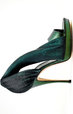 Gaetano Perrone, I'm green with envy! Ankle Boots, Shoe Boots, Shoes Heels, Cute Shoes, Me Too Shoes, Louboutin, Green Shoes, Kinds Of Shoes, Crazy Shoes