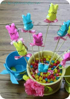 DIY Peeps Easter bouquet!