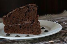 Posna čokoladna torta recept sa slikom. Pogledajte recept za Posnu čokoladnu tortu i obradujte Vaše najdraže ovom divnom poslasticom!