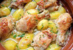 Pulpe de pui cu ceapa , lapte si cartofi Baking Soda, Potato Salad, Shrimp, Potatoes, Chicken, Ethnic Recipes, Food, Romanian Recipes, Potato