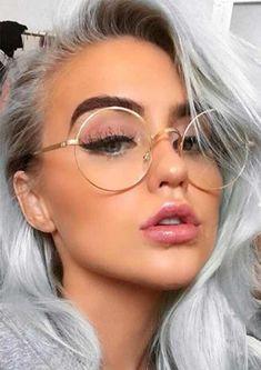 80d5ad8c6d Me encantan estas Gafas Transparentes para el 2019. Mira estas Ideas de  cómo lucirlas esta