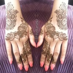 this really intricate henna duo strip! <3