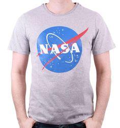 👩🚀  Magnifique T-shirt NASA 100% Officiel - NASA Logo . ✅15% de RABAIS sont OFFERTS sur votre PREMIÈRE COMMANDE . ✅Copiez le Code de Réduction de 15% : EMEANEQXSB41 Vous le saisirez lors de votre passage à la caisse  Sous licence officielle NASA  💥Suivez-nous @iprintstar💥  #nasa #nasa🚀 #modefrancaise #modefr #modeparisienne #modeparisiennne #goodies #goodiesmurah #parisgoodies #lovingmygoodiesfromparis #goodiesfrance #tshirtdesign #tshirtstore #tshirtprint #tshirtparis #paristshirt… Paris T Shirt, T Shirt Nasa, Dc Comics, Logo Vintage, Logos, Officiel, Licence, Mens Tops, Shirts
