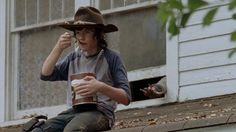 Chandler riggs as carl grimes eating pudding c: