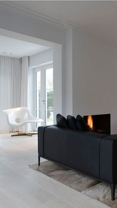 Room - I envision also with a singular Barcelona or Womb chair Minimalist Interior, Modern Interior, Interior Architecture, Home Design, Design Hotel, Eames, Loft, Living Room Inspiration, Living Room Interior