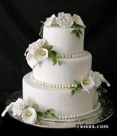 tortas de casamiento cuadrada con rosas blancas - Buscar con Google
