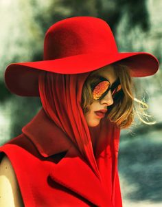 Made in Hollywood - Red Wool Floppy Hat by Baron Hats on Spootnik Foto Fashion, Red Fashion, Style Fashion, Fashion Tag, Female Fashion, Fashion Pants, Fashion Models, Fashion Trends, Vogue