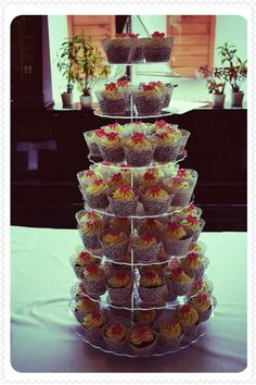 Cupcake tower by Cica Mica