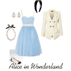 love...great wedding guest outfit for spring or summer. I also love that it is a subtle nod to Alice In Wonderland.