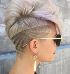 Have you seen the latest trend of undercut hair designs for women? For ladies who like bringing something new and different hair ideas to the table, these shaved hair designs for women and use of colors are very much a thing to be looking into. Teen Hairstyles, Undercut Hairstyles, Shaved Hairstyles, Wedding Hairstyles, Nape Undercut, Undercut Styles, Blonde Hairstyles, Short Hair Styles, Natural Hair Styles