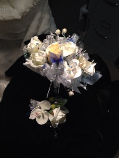 Black and gold prom corsage set from hen house designs www black and gold prom corsage set from hen house designs henhousedesigns craft pinterest prom corsage corsage and hens mightylinksfo