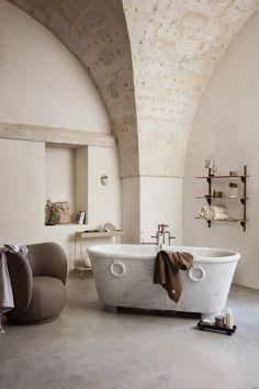 Japanese Minimalism, Mug Design, Plant Box, Inspiration Design, Inspiration Boards, Interior Inspiration, Living At Home, Living Room, Concrete Wall