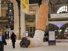 Il n'y a pas de petite incivilité !  (Gare de Lyon du 22 novembre au 05 décembre) French Clip, Pub, I Love Paris, Teaching French, French Language, The Good Place, Train, Grand Format, Amazing Places