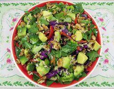 Reteta Salata Dietetica - poza 2 Halloween, Cobb Salad, Sprouts, Avocado, Vegetables, Recipes, Food, Per Diem, Salads