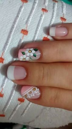 Peach French w/ white flowers Summer Acrylic Nails, Spring Nail Art, Shellac Nails, Toe Nails, Cute Nail Art, Flower Nails, French Nails, Nail Arts, Manicure And Pedicure