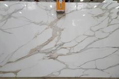 I want calacatta porcelain slab in my next kitchen! Calacatta, Marble Pattern, Natural Stones, Porcelain, Design Inspiration, Supreme, Master Bath, Granite, Countertops