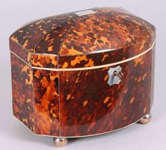 Fine Regency period tortoise-shell bow-fronted double tea-caddy image 2