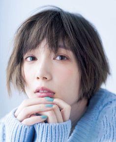 Short Hair Cuts For Women, Short Hair Styles, Tsubasa Honda, Pretty Woman, Pretty Girls, Hair Color, Actresses, Poses, Photo And Video