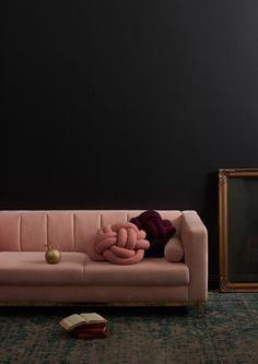 hottest home trends for autumn winter 2016 ITALIANBARK moody interiors Velvet Furniture, Luxury Furniture, Decoration Inspiration, Interior Inspiration, Room Inspiration, Rosa Sofa, Deco Rose, Kids Sofa, Deco Retro