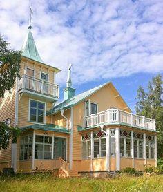platsbyggda kök, byggnadsvård, pappspänning, lusthus, herrgård, slott, torp, 1700-talshus, 1800-talshus, sekelskifteshus, restaurera, gamla hus, Limfärg, linoljefärg, fönsterrenovering, snickeri, byggnadsvård i stockholm,
