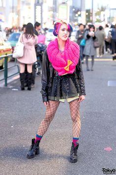 the always cute & fashionable Rikarin, 19 years old, student, makes videos about Harajuku on Youtube: https://www.youtube.com/playlist?list=PLWInlmFraFbFBRoBgIyBI4yxDNDTPFsRs | 26 December 2015 | #Fashion #Harajuku (原宿) #Shibuya (渋谷) #Tokyo (東京) #Japan (日本)
