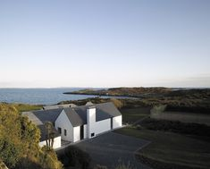 House in Southern Ireland - Niall Mclaughlin Architects by Nick Guttridge, via Behance Transitional Fireplaces, Transitional Chandeliers, Transitional Living Rooms, Transitional House, Houses Architecture, Contemporary Architecture, Architecture Design, Art Furniture, Southern Ireland