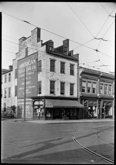 Today we take a look at what was the Hampton-McCurdy House at and Main St in Shockoe Bottom. First up, early Here's how th. Main Street, Street View, Old Dominion, Richmond Virginia, Historical Images, West End, Secret Life, Eastern Europe, The Hamptons