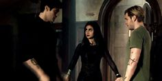 Alec Lightwood (Matthew Daddario), Isabelle Lightwood (Emeraude Toubia) and Jace Wayland (Dominic Sherwood) in Shadowhunters 3.08 'A Heart of Darkness'