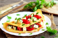 mexican omelette Healthy Recipes For Weight Loss, Clean Eating Recipes, Low Carb Recipes, Healthy Breakfast Omelet, Breakfast Recipes, Smoked Salmon Recipes, Keto Shakes, Keto Meal Plan, Food Photo