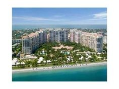 """Key Biscayne - Miami - RARELY ON THE MARKET, SOUGHT-AFTER CORNER DELUXE """"06"""" LINE. 3 BED/5 BATH PLUS OFFICE/FAMILY ROOM/4th BEDROOM. GORGEOUS HARDWOOD FLOORS. FLOW THRU VIEWS OF OCEAN AND DOWNTOWN CITY VIEWS (BEST FROM CLUB TOWER II). MAID'S BEDROOM + FULL BATH."""