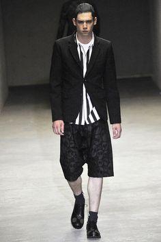 Comme des Garçons Homme Plus Spring 2011 Menswear Collection Photos - Vogue