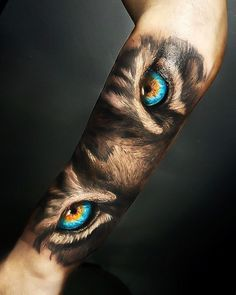 Sleeve Tattoos for Women Best Tattoo Sleeve Ideas For Women Fantastic Half and Full Sleeve Tattoos for Women images Ideas Designs for Girls 2019 2020 Tiger Hand Tattoo, Hand Tattoos, Tiger Tattoo Sleeve, Tattoos Arm Mann, Dragon Sleeve Tattoos, Best Sleeve Tattoos, Sleeve Tattoos For Women, Tattoo Sleeve Designs, Arm Tattoos For Guys
