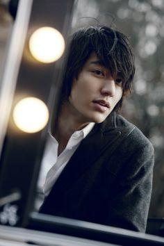 Lee Minho <3 My fav. Korean actor.