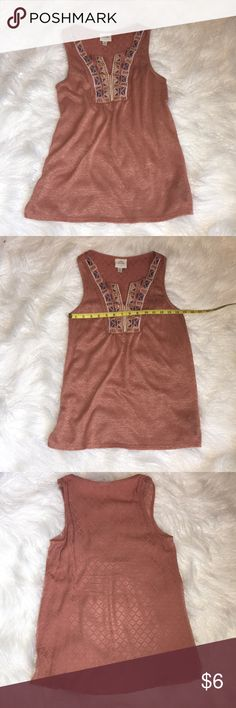 Knox Rose sleeveless embellished top Know Rose XS embellished sleeveless top. Beautiful rose color with detailed design around collar. Knox Rose Tops