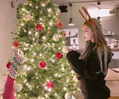 Aesthetic Themes, Aesthetic Pictures, Applis Photo, Mamamoo, Ulzzang Girl, Korean Girl, Cute Girls, Besties, Christmas Tree