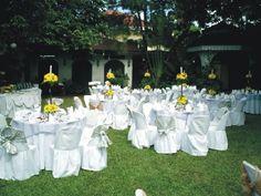 outdoor wedding reception venues