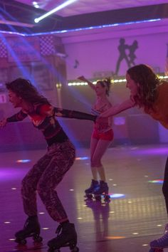 The web of crushes and hookups on Euphoria is seriously tangled, and viewers have recently raised a new question: is Lexi in love with Rue? Bad Girl Aesthetic, Purple Aesthetic, Estilo Zendaya, Euphoria Fashion, Photo Wall Collage, Aesthetic Collage, Teenage Dream, Roller Skating, Bilbao