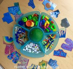 rubber boots and elf shoes: Aliens Love Underwear - read and play (with play dough)
