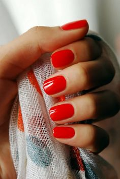 Red manicure for a classic or vintage bride on her wedding day.