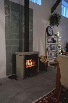 Room Inspiration, Interior Inspiration, Wood Stove Cooking, Home And Living, Living Room, Fireplace Tools, Rocket Stoves, Log Burner, Fireplace Remodel