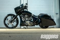 Check out this Custom Victory Cross Country Bagger!