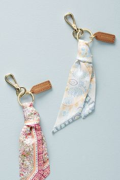 52 Ideas Diy Fashion Scarf Accessories For 2019 Cute Car Accessories, Diy Keychain, Keychain Ideas, Accesorios Casual, Cute Cars, Bijoux Diy, Mother Day Gifts, Home Gifts, Diy Jewelry