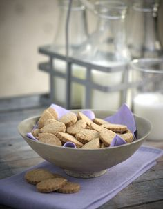 Amateur Cook Professional Eater - Greek recipes cooked again and again: Cinnamon biscuits with almonds and Stevia Diabetic Recipes, Cooking Recipes, Healthy Recipes, Cinnamon Biscuits, Cheesecake, Diabetic Living, Greek Recipes, Stevia, Sugar Free